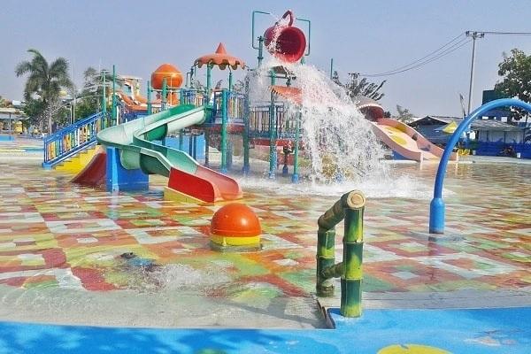 Jasa Pembuatan Ember Tumpah Waterpark Termurah di Indonesia